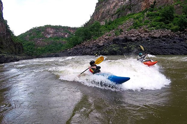 Kayaking the Zambezi - Trevor surfing the Braap