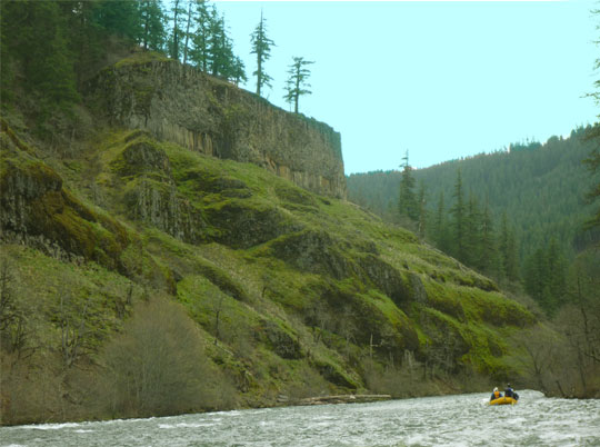 Wider views of the lower stretch on the Klickitat River