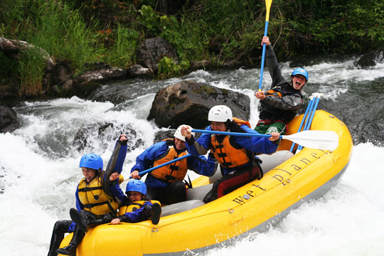 Wanna and Sweethome from North Portland Yoga check out the White Salmon River