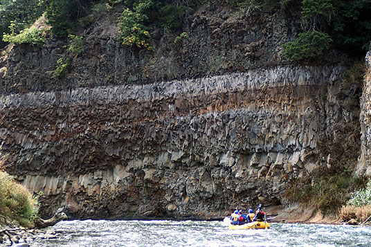 white salmon river rafting - lower lower landslide