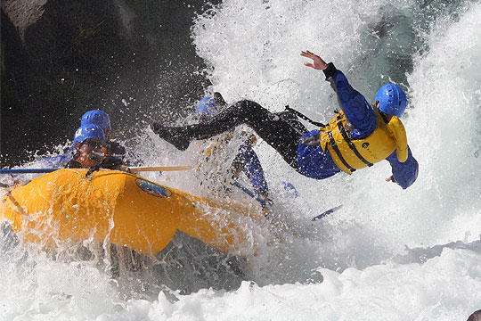 Rafting Adrenaline Rush with Wet Planet on White Salmon River