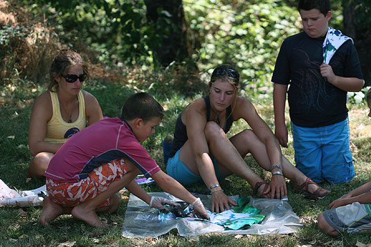 Kids Camp makes T-shirts at Wet Planet