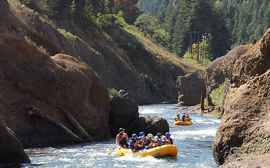 Lower Lower White Salmon whitewater rafting with Wet Planet