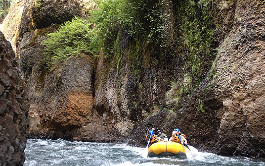 Lower Lower White Salmon river - beautiful gorge rafting!