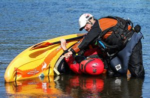 aca kayak instructor course teaching the roll