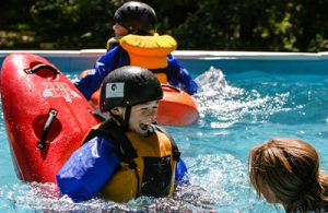 kids kayaking summer camp oregon and washington
