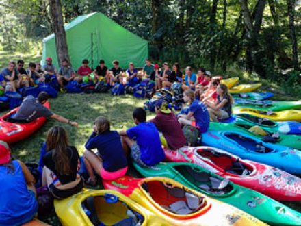 youth outdoor groups programs and kayaking camps