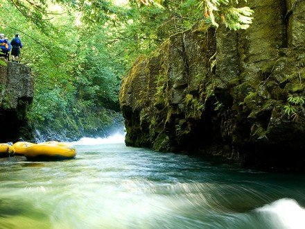 washington whitewater river rafting on the White Salmon River