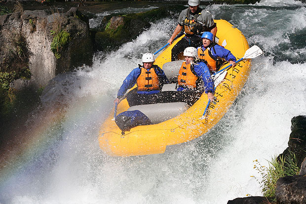 white salmon river rafting trip in washington