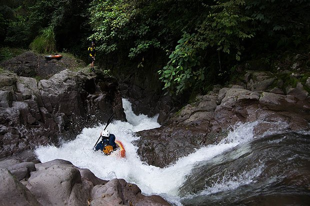Devin Kuh kayaking S-Turn on Aseseca River Mexico