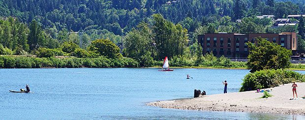 lodging and rafting packages with Hampton Inn and Suites Hood River
