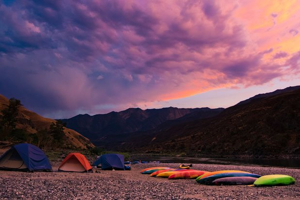 camp while kayaking the lower salmon river