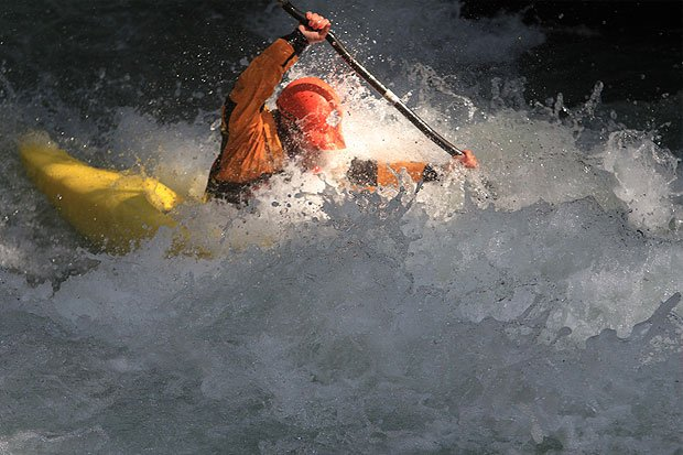 intermediate whitewater kayak course at wet planet