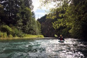 kayaking white salmon